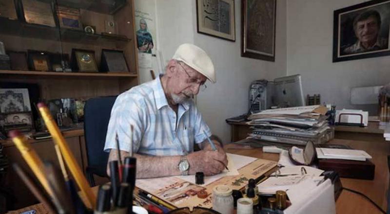 لبناني يكتب القرآن بالخط الديواني المُعقد