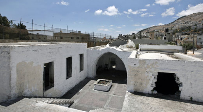 اعتقال 20 شاب يهودي اقتحموا مقام النبي يوسف في نابلس