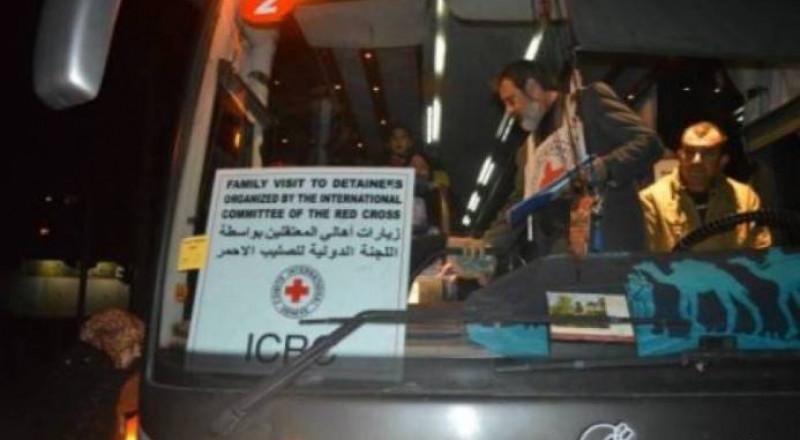 55 من أهالي أسرى غزة يزورون ذويهم بنفحة