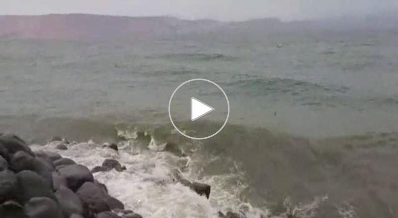 بحيرة طبريا : رياح شديدة والامواج العاتية تلاطم الحجارة