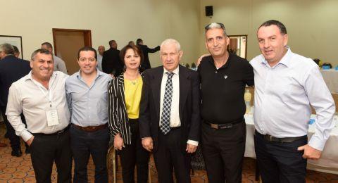 إدارة لئومي وكبار الموظفين في لئومي يلتقون مع أصحاب مصالح تجارية من المجتمع العربي