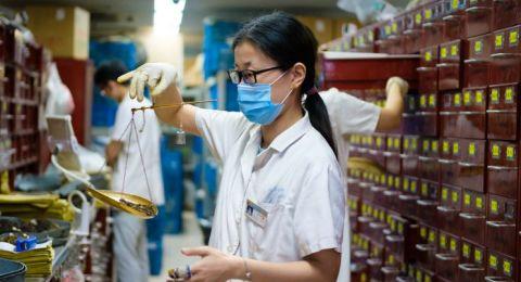 الصين توقف أبحاث تعديل الجينات البشرية مؤقتا