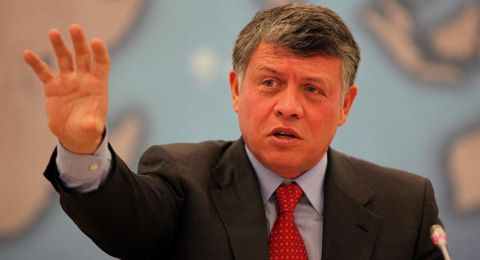 العاهل الأردني يؤكد حل الدولتين ويدعو لمفاوضات تسوية شاملة