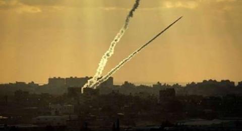 إصابة 4 مواطنين في سلسلة غارات على مواقع للمقاومة بغزة