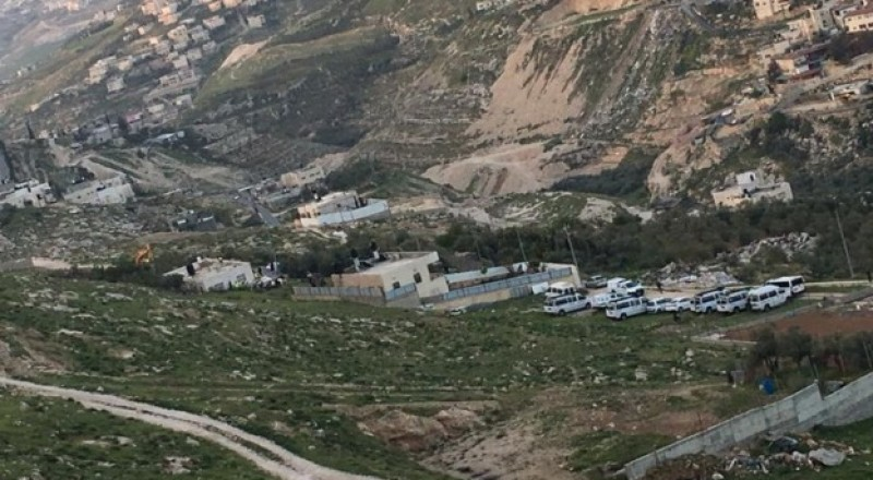 السُلطات الإسرائيلية تهدم منزلين بجبل المكبر وتشرد 14 فردا