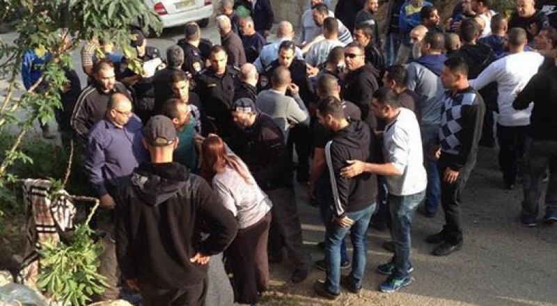 العنف في ام الفحم: 3 اصابات بين بالغة ومتوسطة إثر اطلاق نار