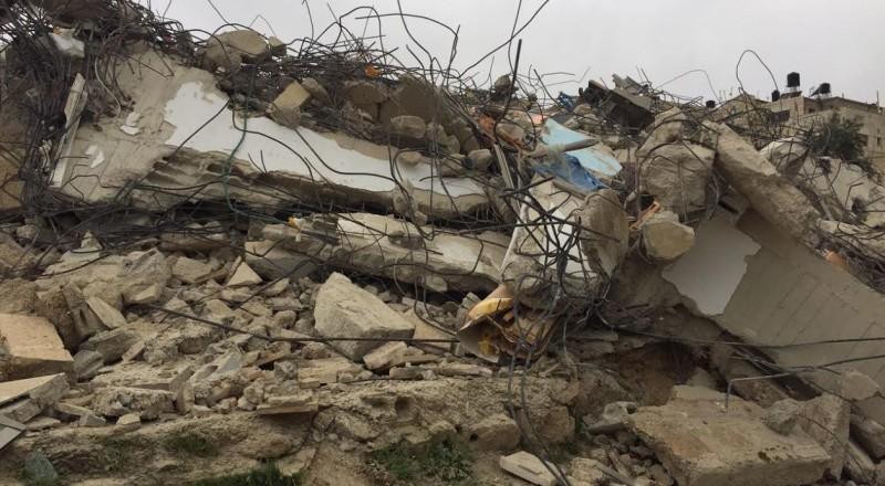 34 منزلاً مهدد بالهدم في قرية العيسوية