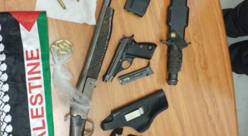 القدس: ضبط اسلحة والبحث وراء مشتبهين