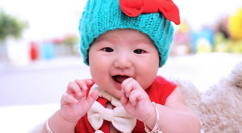 متى يبدأ الطفل في أكل الأطعمة الحيوانية؟