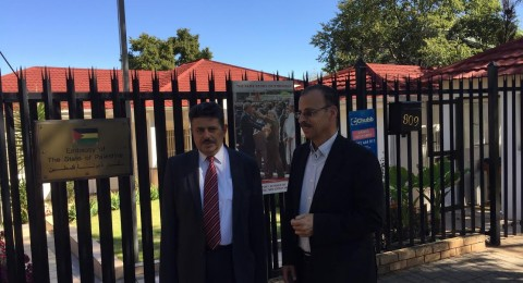 أمين عام التجمع يدين منع الوزير من جنوب أفريقيا دخول فلسطين