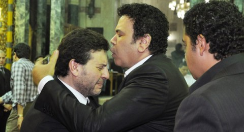 بالصور.. عمرو دياب ومحمد منير وبشرى بعزاء ابنة هاني شاكر