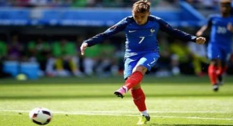 جريزمان يقلت تأخر فرنسا لفوز ويقودها لربع نهائي اليورو