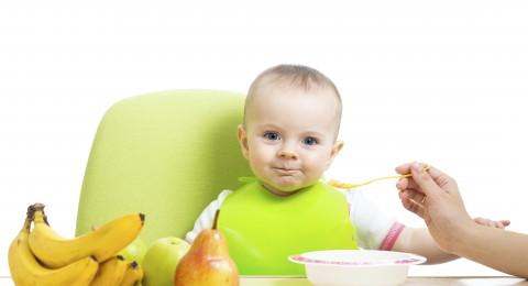 4 أطعمة لتخفيف آلام التسنين عند الأطفال
