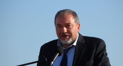 ليبرمان: لا تسوية مع حماس دون حل قضية الجنود الاسرى