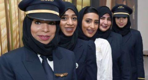 5 سعوديات يحصلن على رخص لقيادة طائرات الركاب