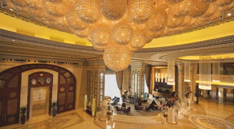 كشف تفاصيل مثيرة من داخل فندق ريتز كارلتون