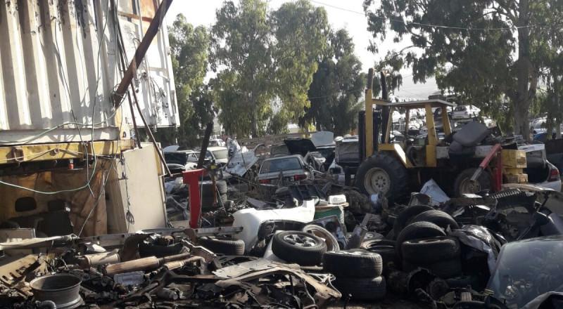 الشرطة تداهم 3 محلات تجارية لبيع الخردوات في اكسال ودبورية وتحرر غرامات مالية