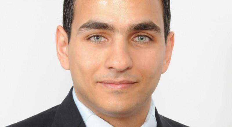 الشاعر إياس ناصر يحصل على شهادة الدكتوراه في الشعر العربي القديم