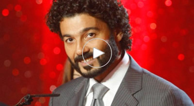 خالد النبوي يبكي خلال دعوته الألمان للسياحة في مصر..بالفيديو