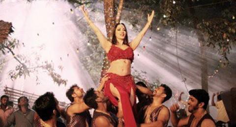 الراقصة اللبنانيّة إليسار أول نجمة استعراضيّة عربيّة فى عمل عالمىّ