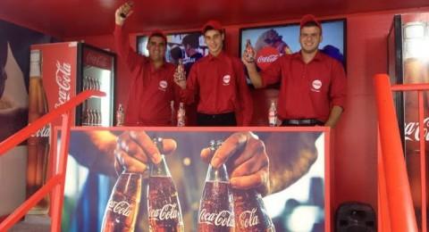 كوكا كولا في لقاء مثير مع مستهليكها في اطار حملة طعم الحياة