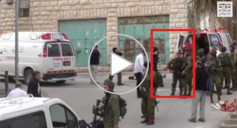فيديو يوثق لحظة تلقى قاتل الشهيد الشريف أمرا من قائده بتنفيذ الإعدام!