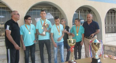 المدرسة الإعدادية الحديقة (أ) يافة الناصرة تختتم الدوري وتكرم الفائزين
