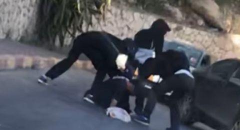 صورة .. شاهدوا كيف تم الاعتداء على شاب وسرقة سلسلة من عنقه في الناصرة