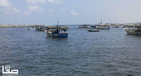 أول سفينة لكسر الحصار انطلقت من غزة اليوم