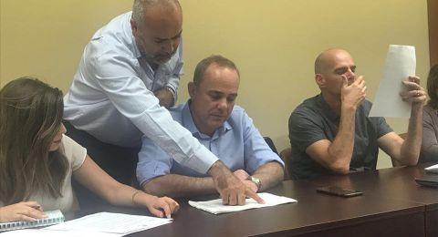 تفاهمات هامة في جلسة الطيبي والسعدي ويونس مع وزير الطاقة وكمينتس حول ربط البيوت بالكهرباء