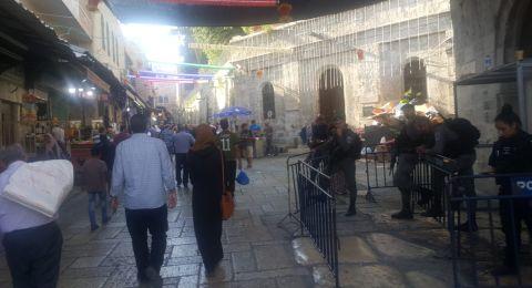 عشرات الالاف يتوافدون على القدس لأداء صلاة الجمعة الثالثة من رمضان