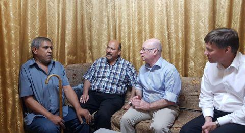 وزير شؤون الشرق الاوسط البريطاني يلتقي عائلات مهددة بالاخلاء في الشيخ جراح