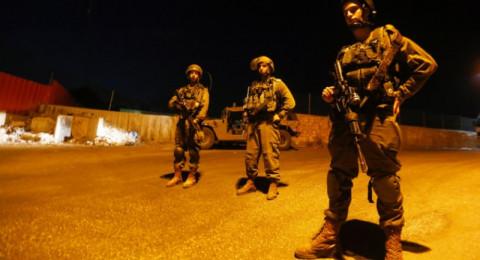قوات الجيش الاسرائيلي  تقتحم عزون شرق قلقيلية