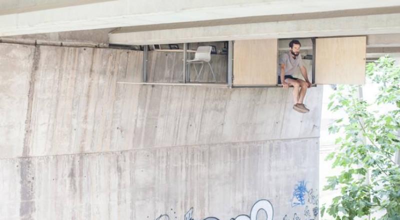"""مأوى """"سرّي"""" تحت جسر مكتظ في إسبانيا"""