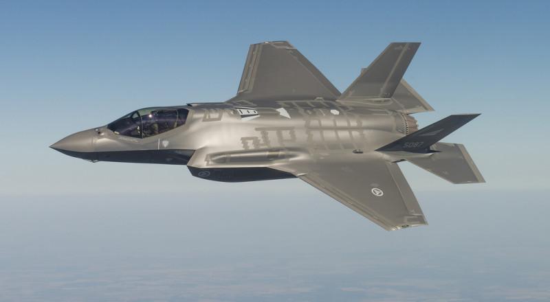 إسرائيل توقع صفقة لشراء 17 مقاتلة