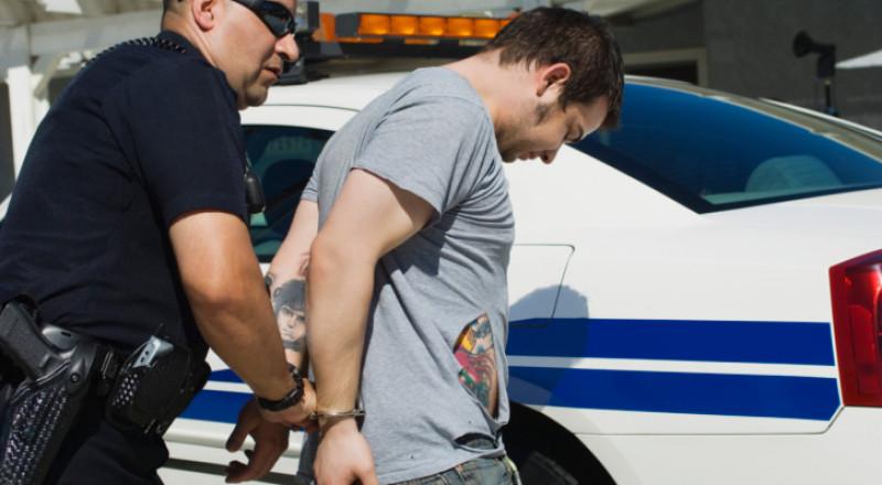 الشرطة تعتقل (22) مشتبهًا بالبيدوفيل، من بينهم 3 مواطنين عرب
