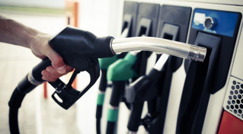 إسرائيل: سعر الوقود عاد الى خانة الرقم (6)