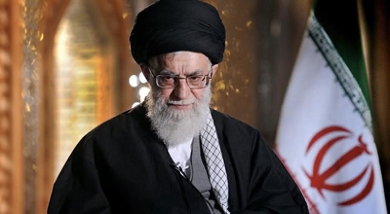 خامنئي: من واجب رؤساء العالم الإسلامي والنخب السياسية والدينية تحقيق الوحدة