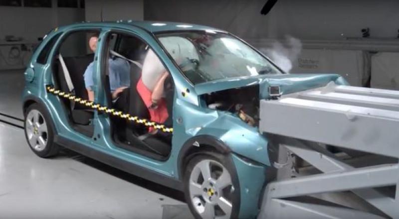 ماذا يحدث عندما تتخلى عن حزام الأمان بالسيارة؟
