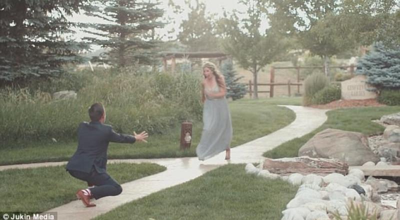 عروس تتعرض لموقف محرج في زفافها