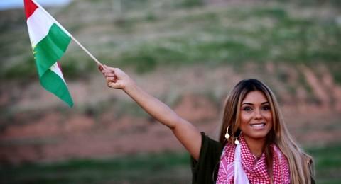 الفنانة دشني مراد تصدر أغنيتين بالكوردية والإنكليزية