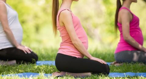 هل تشكل اليوغا خطراً على الحمل؟