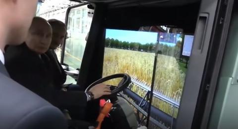 بوتين يتدرب على حصد المحاصيل: مهنتي المستقبلية ربما