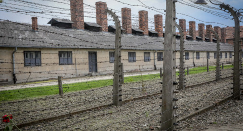 غضب في إسرائيل بعد انكار بولندا تورطها في الهولوكوست