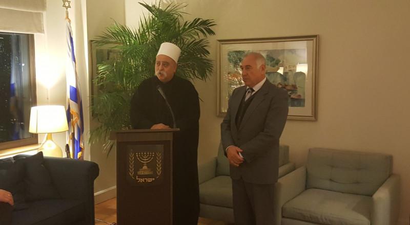 انتقادات حول زيارة الشيخ موفق طريف للولايات المتحدة، والسبب؟!