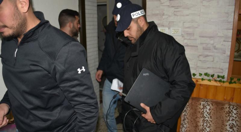 تمديد اعتقال الـ19 شابًا المشتبهين بالبيدوفيليا، بينهم عرب