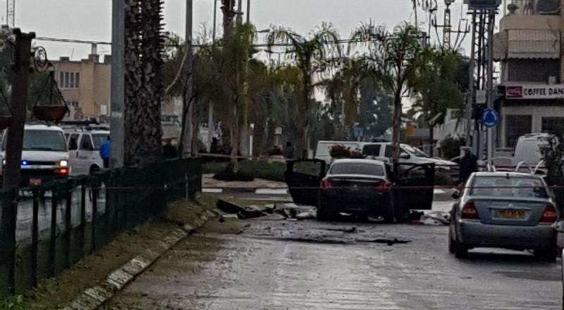 انفجار عبوة ناسفة بسيارة في عكا وإصابة شاب