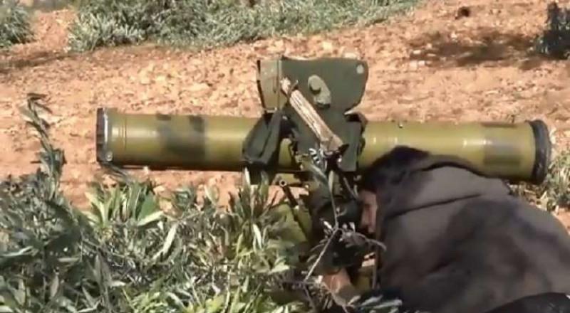 فتاة كردية تدمر دبابة مقاتلين موالين لتركيا