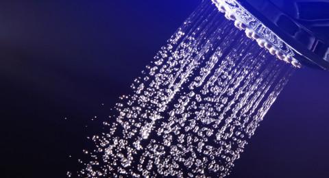 دراسة: الاستحمام بالماء الساخن والبارد معا من أجل صحة جيدة