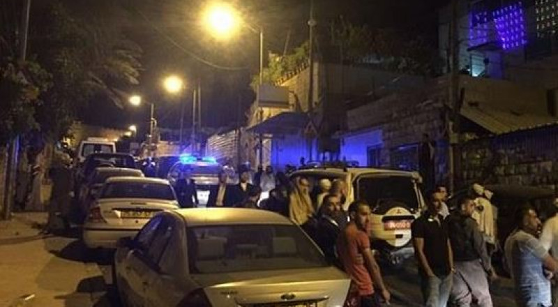 مستوطنون يعتدون على الممتلكات واعتقال 3 شبان في القدس!